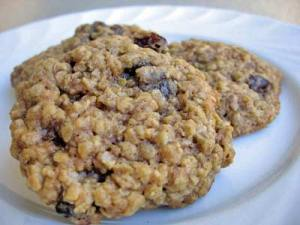 raisin-oatmeal-cookies